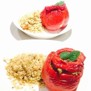 rijst met gevulde paprika